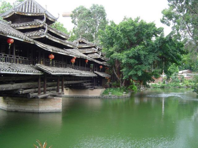 Bridge over a lake in Nanning, Guangxi, China